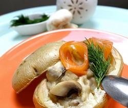 Pomme-de-terre-farcies-aux-champignons-de-Paris-et-Saumon-fume